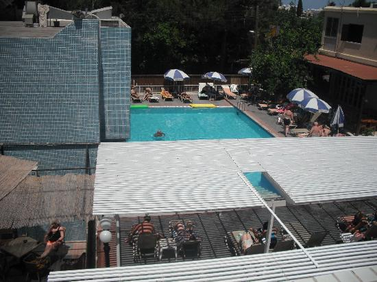 Nereus Hotel: shallow pool