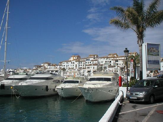 Marbella Playa Hotel: Porto Banus