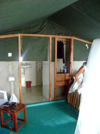 Kichakani Mara Camp: Clean Spacious Rooms