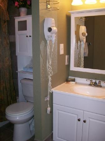 BlueWater Resort: Bathroom