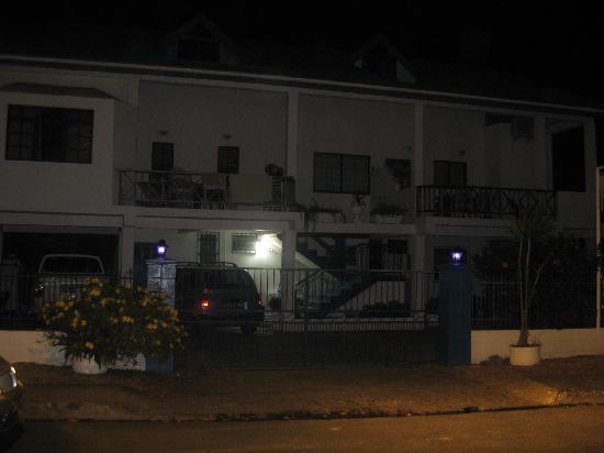 Bananaquit Apartments: Bananaquit at night