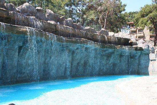 Utopia World: cascades au parc aquatique