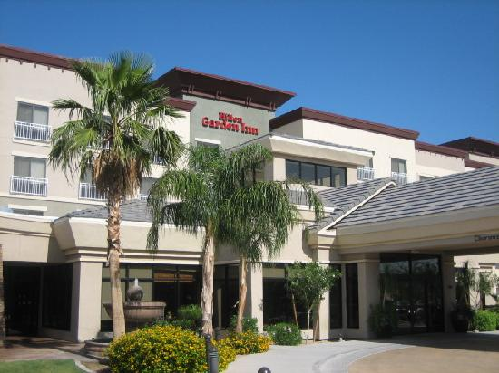Hilton Garden Inn Phoenix/Avondale: Front Entrance~June 2009