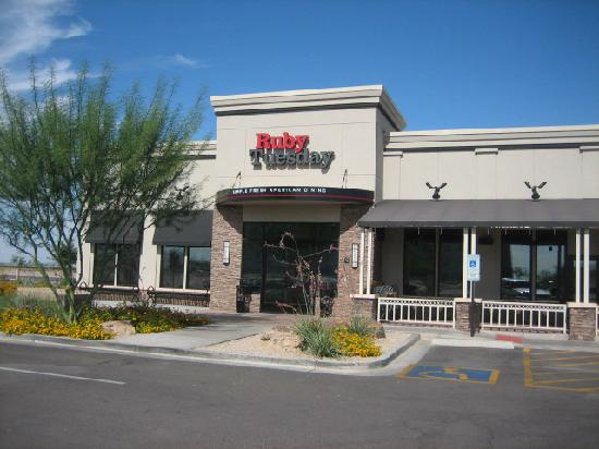 Hilton Garden Inn Phoenix/Avondale: Rubt Tuesday Restaurant-Next Door~June 2009