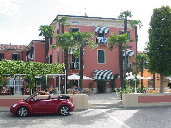 Hotel Alla Riviera : die Seite zum See