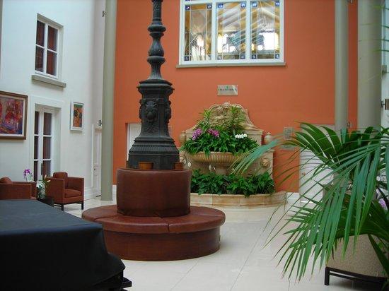 Lyrath Estate Hotel & Spa: foyer