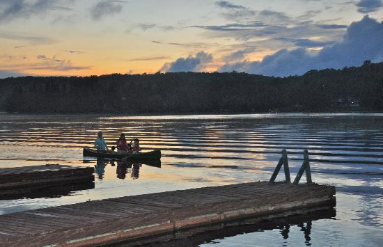Bonnie View Inn : Evening Canoeing at Bonnie View