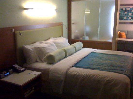 SpringHill Suites Cincinnati Midtown: Bed