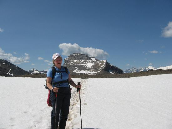 Skoki Lodge: snow on Boulder Pass