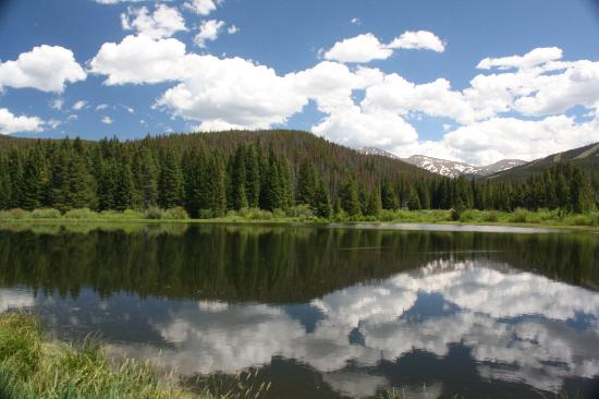 Americas Best Value Sundowner Motel: Fraser Valley Trail in Winter Park