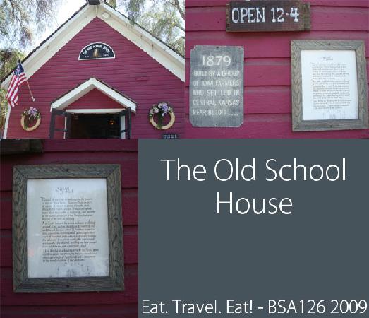 Knott's Berry Farm: Old School House Exterior
