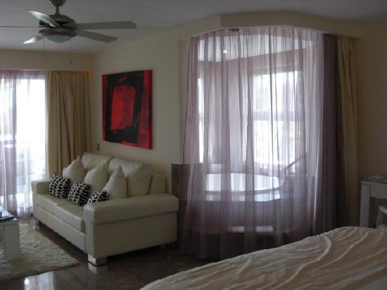 Beloved Playa Mujeres: Casita Lounge and Jacuzzi