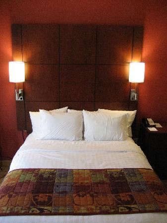 Residence Inn Chattanooga Downtown: Bed