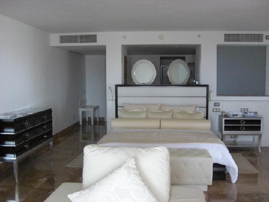 Beloved Playa Mujeres: Penthouse Bedroom