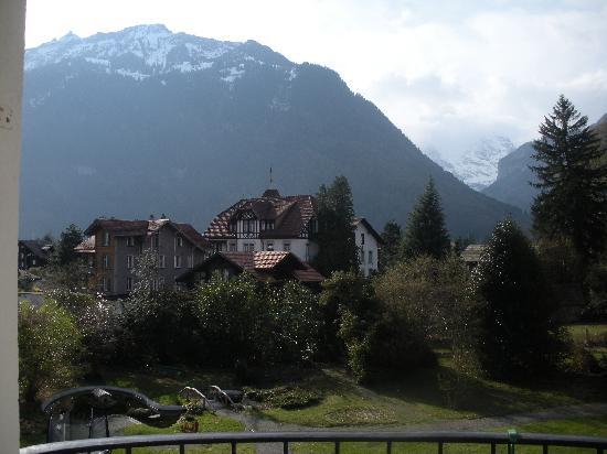 โรงแรมฟันนี่ฟาร์ม: view from our room (right)