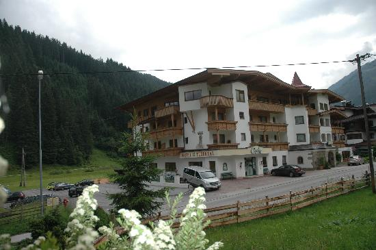 Hotel Tuxertal: Outside View