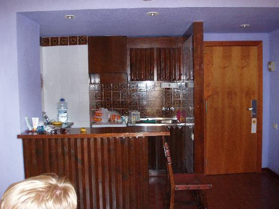 Aparthotel Londres: habitación
