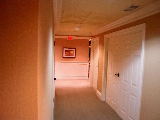 Harbour House Hotel: Inside corridor