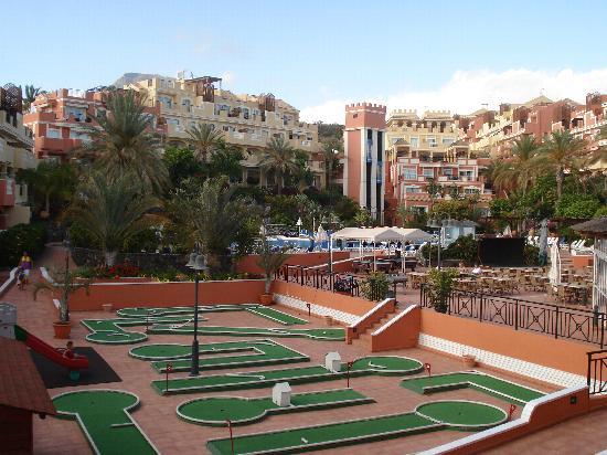 Granada Park Apartments: Mini golf (bit rubbish)