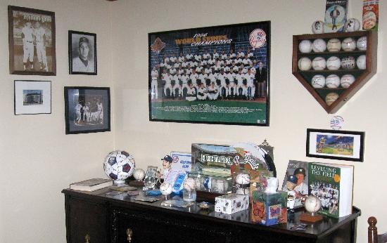 Kountry Living Bed and Breakfast : the yankees win....the, the...the ....the YANKEES WIN!!!
