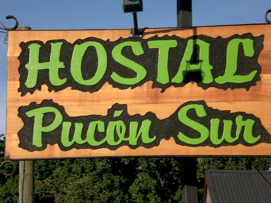 Hostel Pucon Sur: placa do hostel