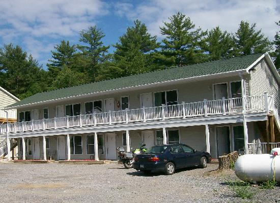Studio Motel of Lake George: Suites with Kitchens