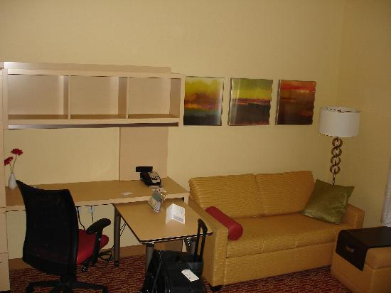 TownePlace Suites Columbus: work area