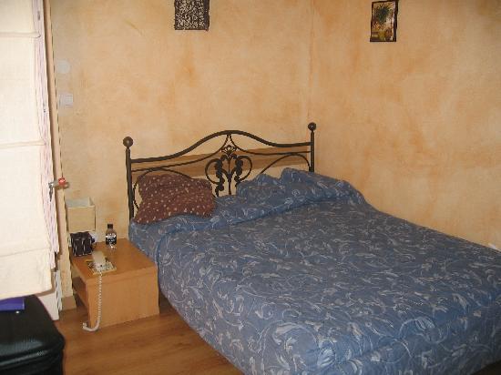 Saint Paul: Bedroom 334