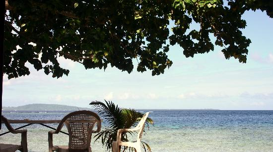 Tara Beach Bungalows: View from our breakfast table...