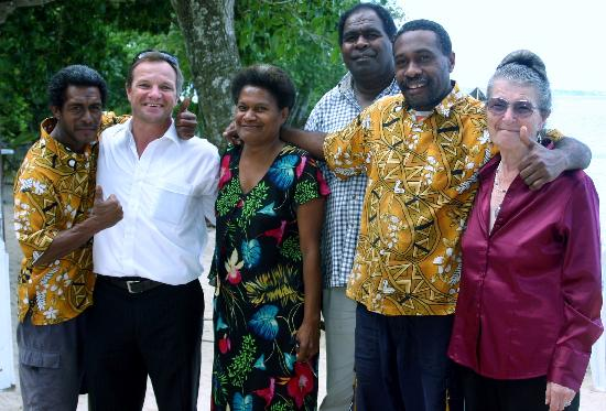 Tara Beach Bungalows: Some of the team with my husband and his mum...