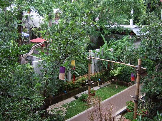 Baan Nattawadee : Garden