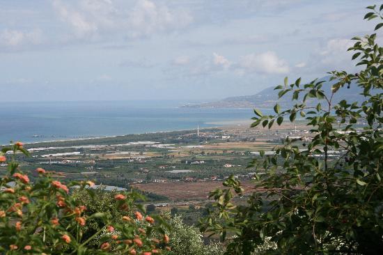 Agriturismo Bardari: Blick aus dem Speiseraum