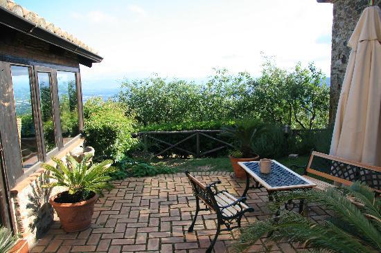 Curinga, Itália: Innebhof, Weg zum Speiseraum