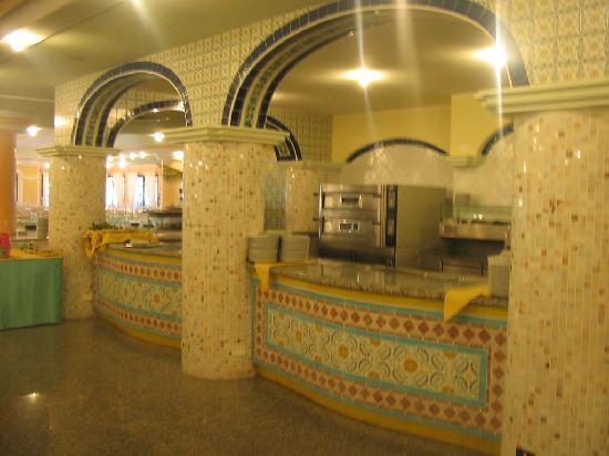 Club Hotel Marina Beach: Particolare del ristorante interno.