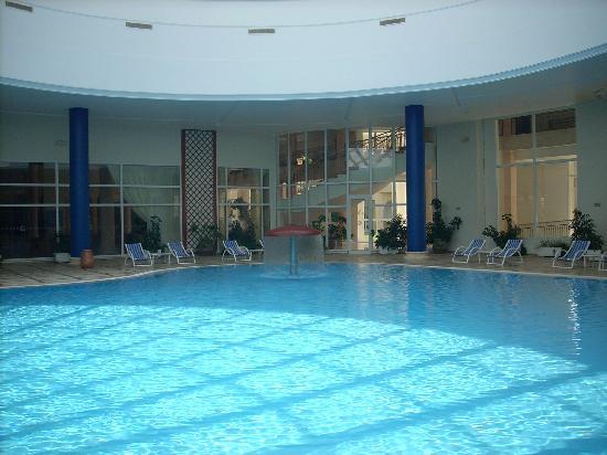 Cap-Bon Kelibia Beach Hotel & Spa: Piscina interna riscaldata
