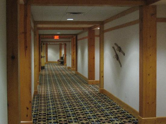 Mountain Grand Lodge and Spa: Hallways - nice and wide