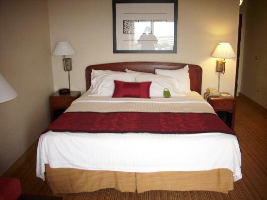 Courtyard Dayton Beavercreek: Bedding