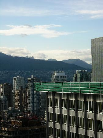 Embarc Vancouver: The view from the room