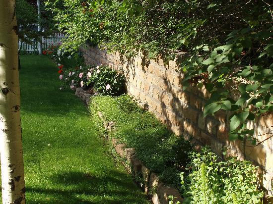 Secret Garden: Nice landscape.