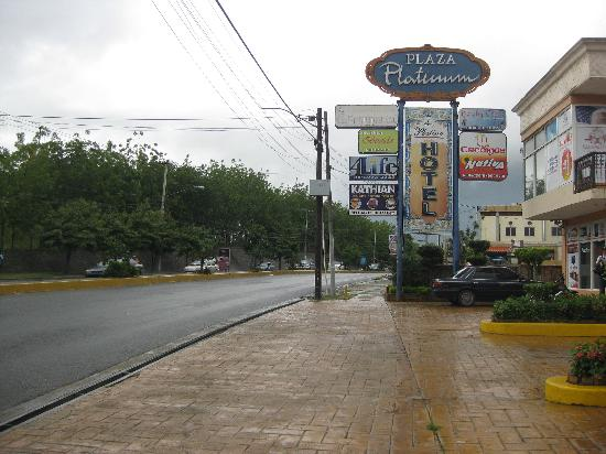 Platino Hotel Plaza Platinum Sign