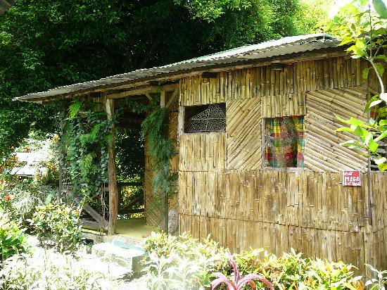 Tia Bamboo Cottages: 'Nutmege' cottage