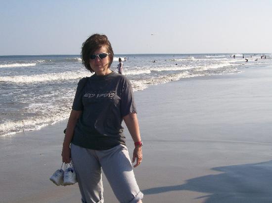 Sea Foam Motel: MY FRIEND SUSAN AT THE BEACH