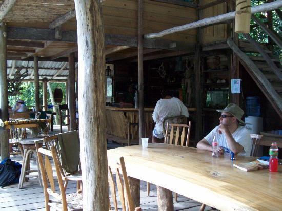 Jungle River Lodge: Interior 1