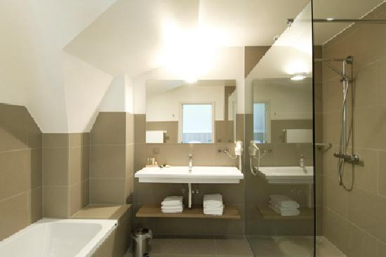 Knokke, Belgia: Bathroom 1