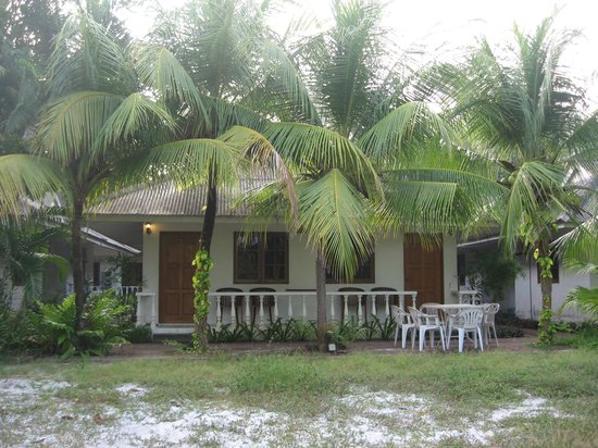 Tropical Resort: Our bungalow - two rooms rented here 90MYR per room