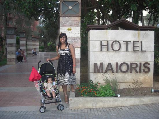 OLA Hotel Maioris : Outside main entrance