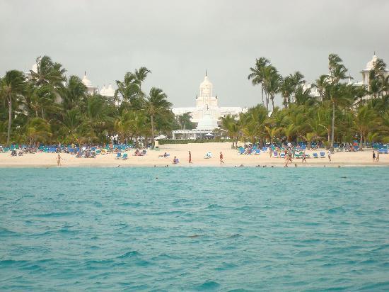 Hotel Riu Palace Punta Cana: hotel from sea