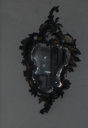 Rose Hall Great House : face in mirror