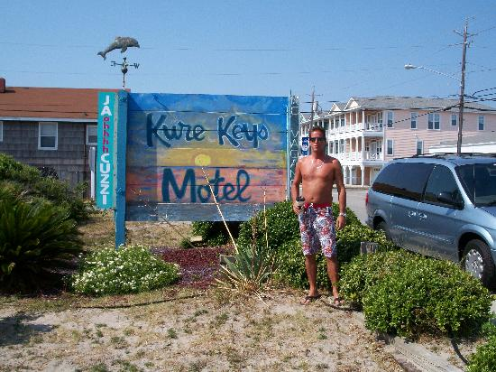 Kure Keys Motel: Easy to find, look for the sign.