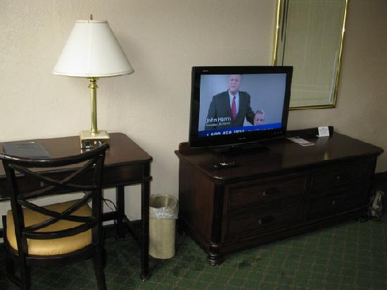 Fairfield Inn Bangor: Typical Room Furnishings
